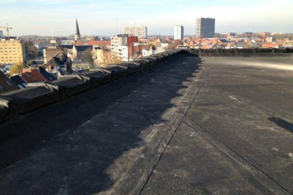 Residentie Westrode Gent: renovatie van plat dak met Resitrix EPDM-rubber.